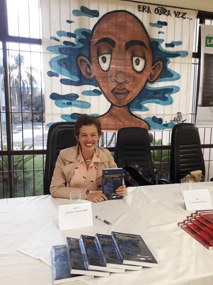 """""""Não estamos no mesmo barco"""" –  em entrevista Mariana Cassab fala sobre isolamento social, gênero e desigualdade"""
