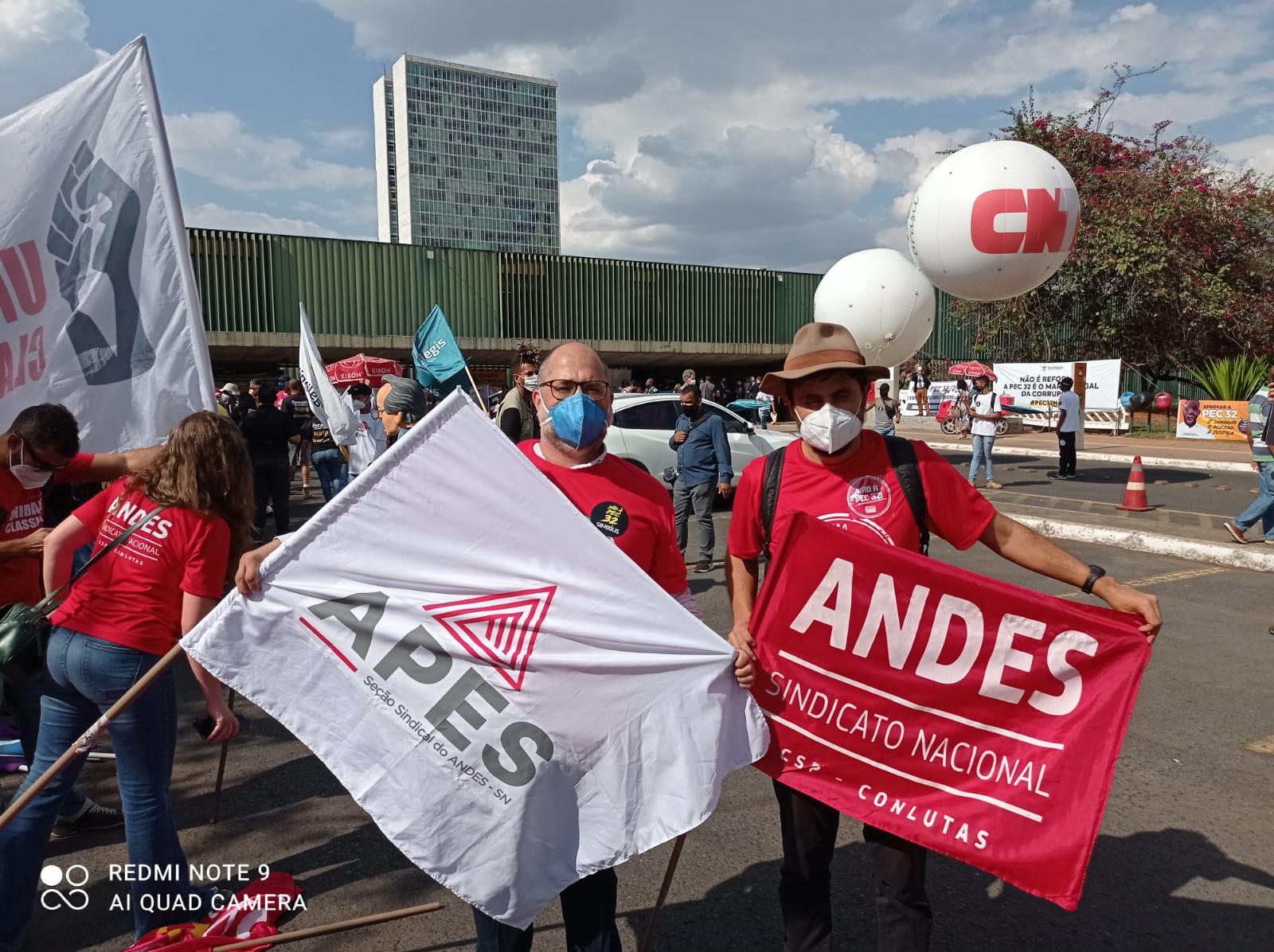 Read more about the article Pressão contra a PEC 32 é intensificada em Brasília